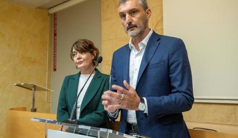 Els dos exlíders de Podem a Múrcia, Óscar Urralburu i María Giménez, ahir.