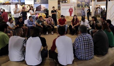 Teresa Jordà pren nota a Lleida de les preocupacions dels joves agricultors i ramaders