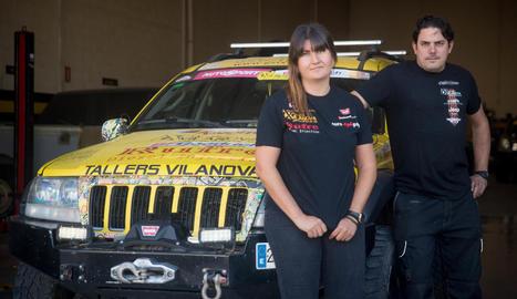 totterreny. Al taller preparen cotxes per a la competició extrema i reparen vehicles pensats per al dia a a dia.