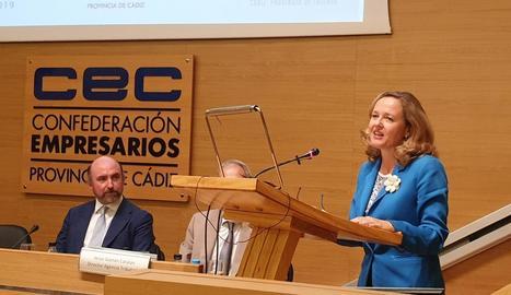 La ministra Calviño, durant la intervenció al fòrum de Cadis.