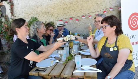 La jornada gastronòmica va tenir lloc a l'Espai de Tast del Mas d'Eroles d'Adrall.