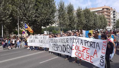 Els estudiants, a la rambla d'Aragó.