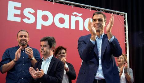 Sánchez va assistir ahir a un dinar míting celebrat a Osca amb militants socialistes.