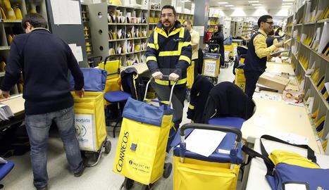 Treballadors de Correus a Lleida.