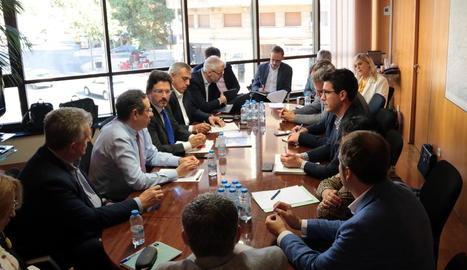 Imatge de la reunió d'ahir de la taula estratègica de l'aeroport d'Alguaire.