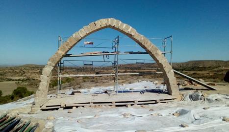 L'arc ja torna a oferir la imatge original després de mig any de treballs de reconstrucció.