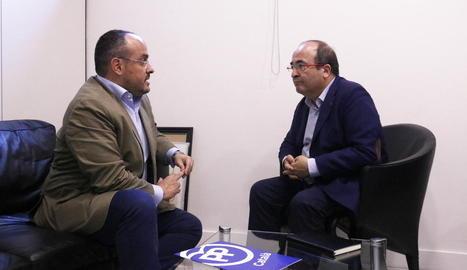 El líder del PSC, Miquel Iceta, es va reunir ahir amb el del PP al Parlament, Alejandro Fernández.