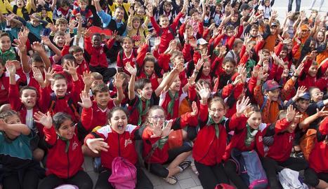 Centenars d'estudiants van obrir ahir l'edició número 11 de la Fira de la Màgia al Carrer de Montgai.