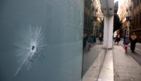 Un impacte de bala que es va produir durant el tiroteig.