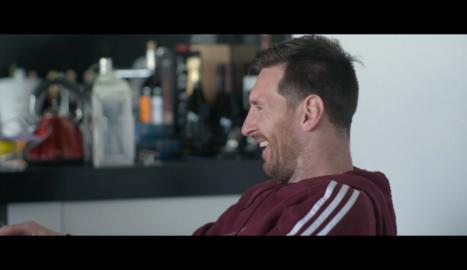 Un fotograma de la sèrie en què apareix Messi.