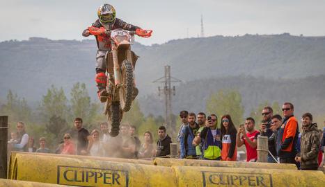 Nombrós públic es va citar ahir per veure la segona jornada de les World Enduro Super Series a Solsona.