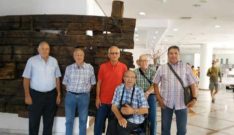 Els sis que van poder viatjar a les Canàries aquest mes de stembre passat.