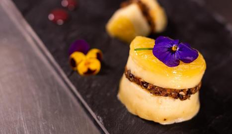 Un plat que combina els hidrats de carboni de la fruita seca amb el calci, les proteïnes i vitamines del grup B del formatge.