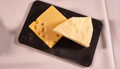 El formatge és una important font de proteïnes de qualitat, vitamines i minerals.