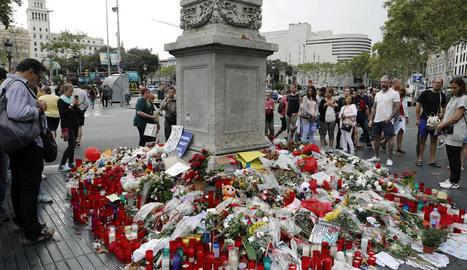 Imatge d'arxiu del memorial a les víctimes de l'atemptat d'agost, a les Rambles de Barcelona.