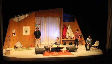 La comèdia 'Lapònia' va omplir dissabte a la nit el Teatre Ateneu de Tàrrega.