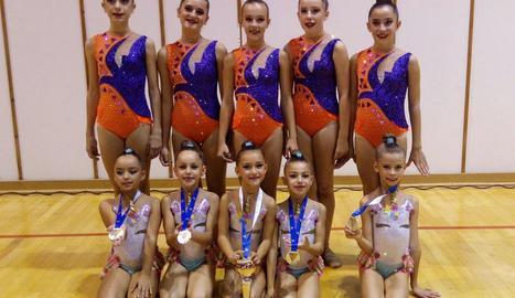 Les integrants dels dos equips que van participar a Figueres.
