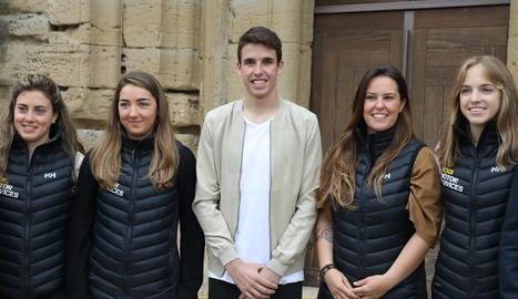 Àlex Màrquez apadrina un projecte per ajudar a trobar patrocinadors per a quatre esquiadores per poder arribar a participar als pròxims Jocs d'Hivern.