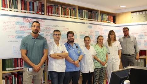Foto de família de participants en el pla de millora dels processos d'hospitalització.