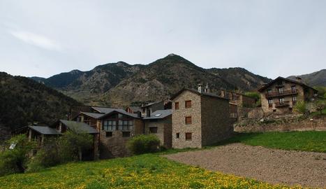 Imatge del nucli d'Asnurri, a les Valls de Valira.