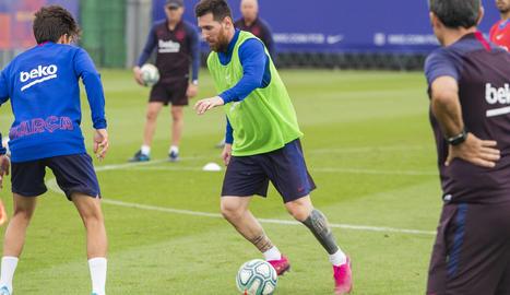 Leo Messi, durant l'entrenament d'ahir.