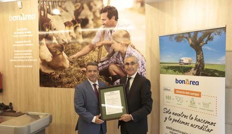 Ángel Luis Sánchez i Antoni Condal van presentar ahir el certificat 'directe del camp'.