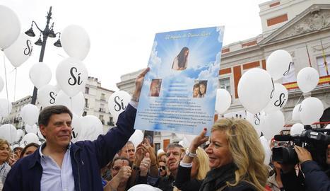 Els pares de Diana Quer defensant la presó permanent.