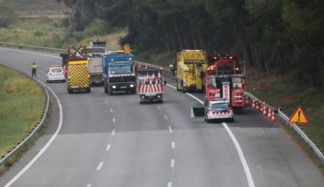 Dos homes morts en un accident entre camions a l'AP-7