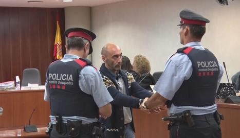 L'acusat, Jordi Lanuza, ahir en una aturada de la quarta sessió del judici a l'Audiència de Lleida.