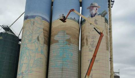 Està previst que el mural estigui enllestit a finals d'octubre.