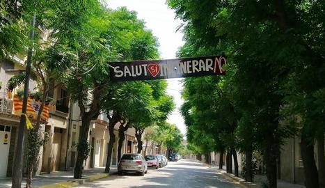 La pancarta que s'ha hagut de despenjar a Juneda.