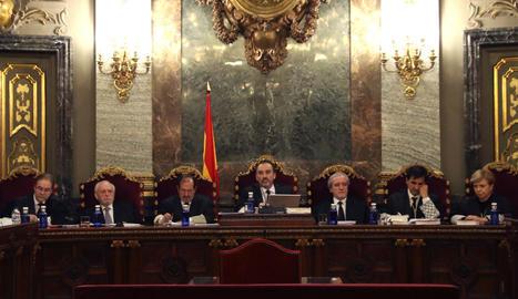 Els jutges que formen la Sala Segona del Tribunal Suprem.