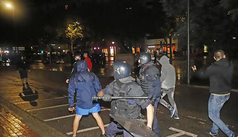 Milers de persones van omplir Blondel, la plaça Agelet i Garriga, Francesc Macià i el pont Vell, malgrat la tempesta que va caure sobre Lleida a l'hora de la concentració.