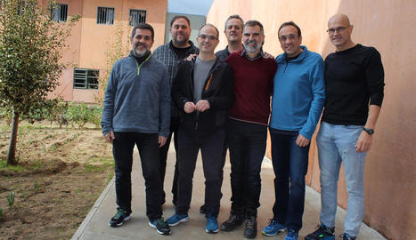 Imatge dels presos independentistes homes a Lledoners el desembre de l'any passat.