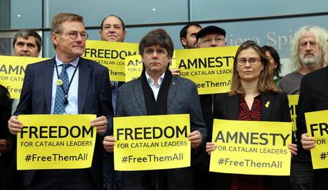 Carles Puigdemont i Meritxell Serret, ahir a Brussel·les.