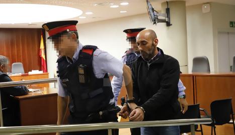 L'acusat del crim d'Acadèmia, després de conèixer el veredicte del jurat popular.