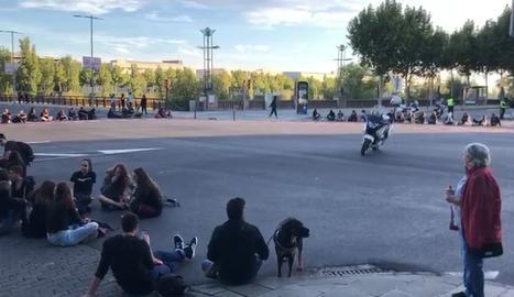 Una protesta talla l'encreuament del Pont Universitat de Lleida