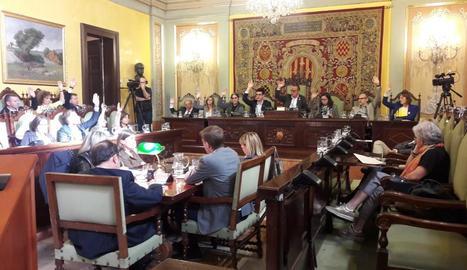 Moment de la votació de la moció de rebuig de la sentència del Suprem.