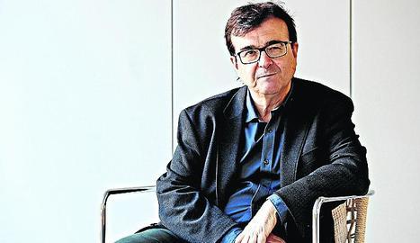 L'autor va escriure influït pel conflicte català.
