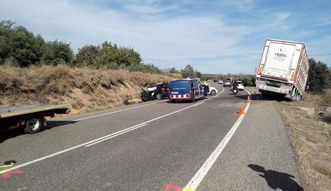 L'accident es va registrar al quilòmetre 33 de la C-26, a la Sentiu de Sió, poc abans de les dos del migdia.