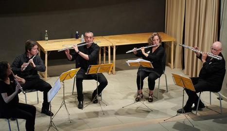 El grup de flautistes que obrirà el Festival Castell de Concabella.