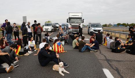Imágenes de la huelga general en Lleida
