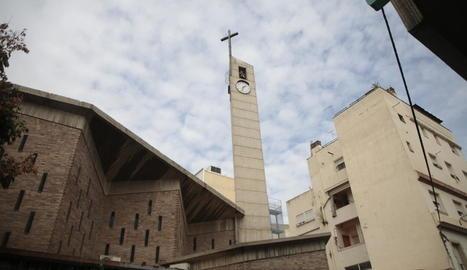 Imatge de l'exterior de l'església de Santa Maria de Gardeny.