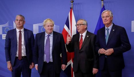 Stephen Barclay, Boris Johnson, Jean-Claude Juncker i Michel Barnier, a Brussel·les.