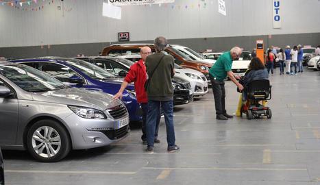 Més de 200 vehicles d'ocasió seran exposats fins avui a les 20 hores al pavelló Inpacsa.