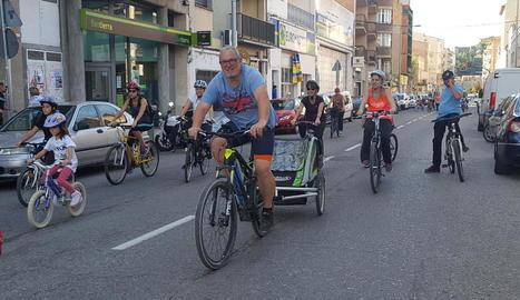 Prop de 400 persones participen en la Festa de la Bicicleta de Balaguer