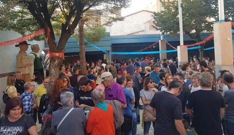 La inauguració de l'antiga discoteca Musicland com a seu de l'Agrupament Escolta Cal-Met.