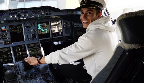 Marc, ahir als comandaments de l'avió que el va traslladar a Austràlia.