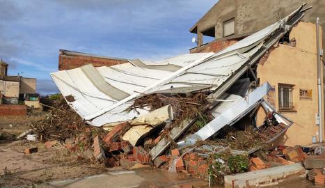 Una casa derrumbada a l'Albi a causa de les fortes pluges d'aquest dimarts