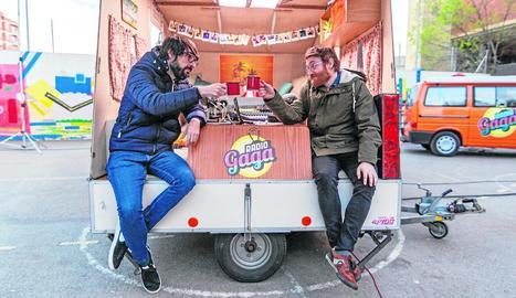 Quique Peinado i Manuel Burque, a la caravana del programa.